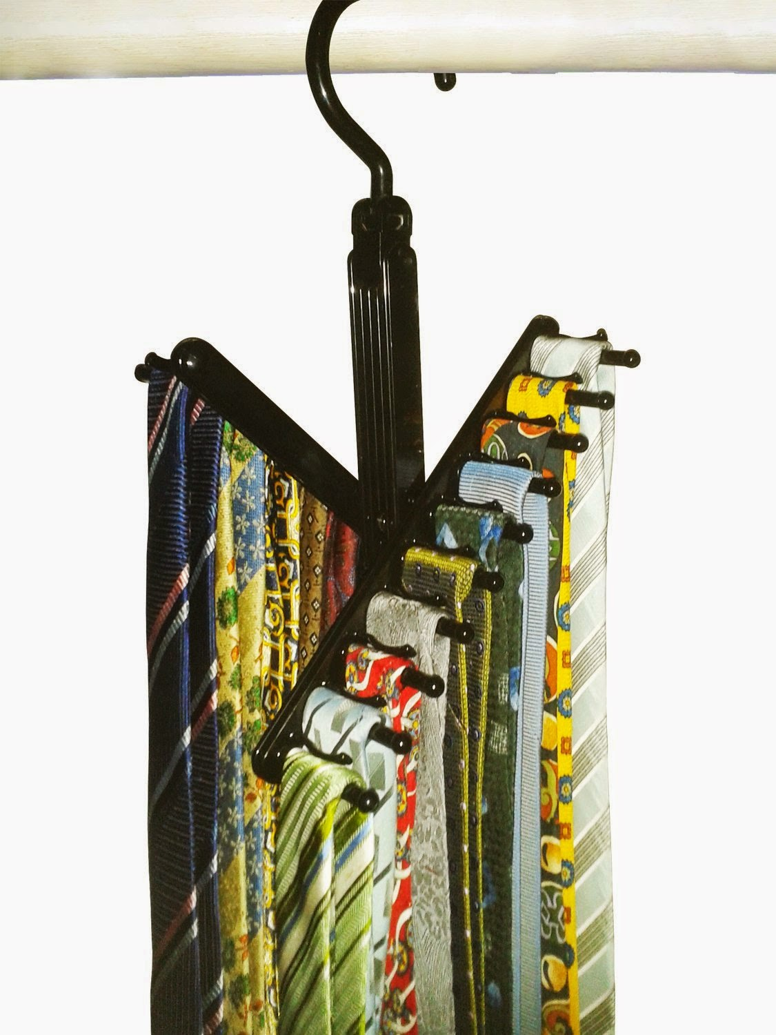 Organized Gift Idea for Father's Day - tie organizer :: OrganizingMadeFun.com