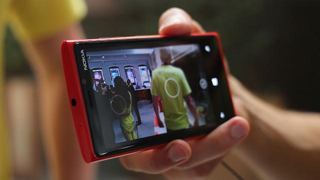Nokia Lumia 920 Windows Mobile Phone Image 9