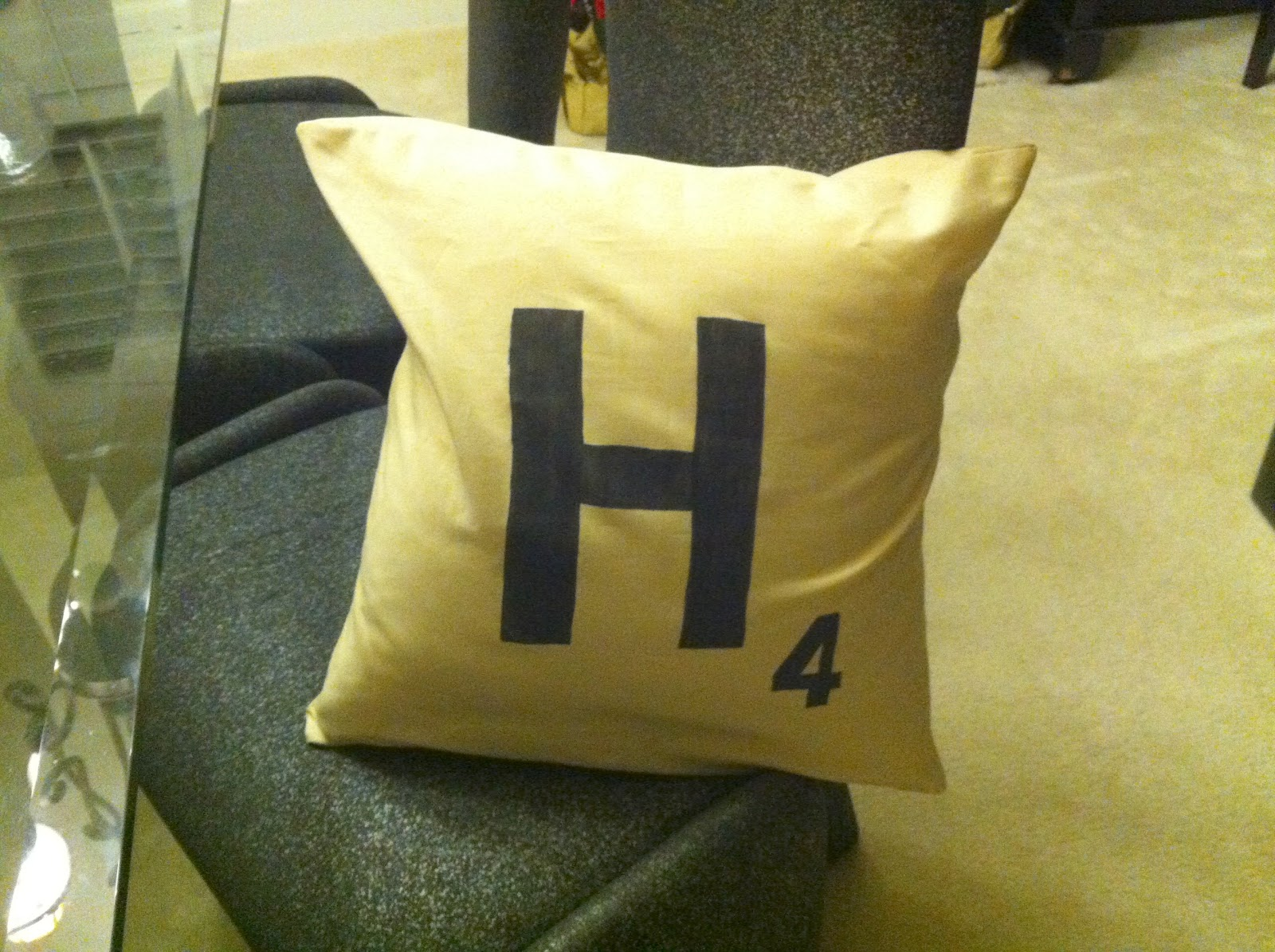 Simply pinspirational diy scrabble pillow case for Diy scrabble costume