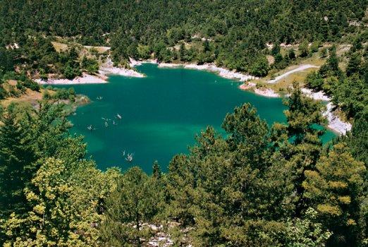 Τσιβλού, η εκπληκτική λίμνη του χελμού