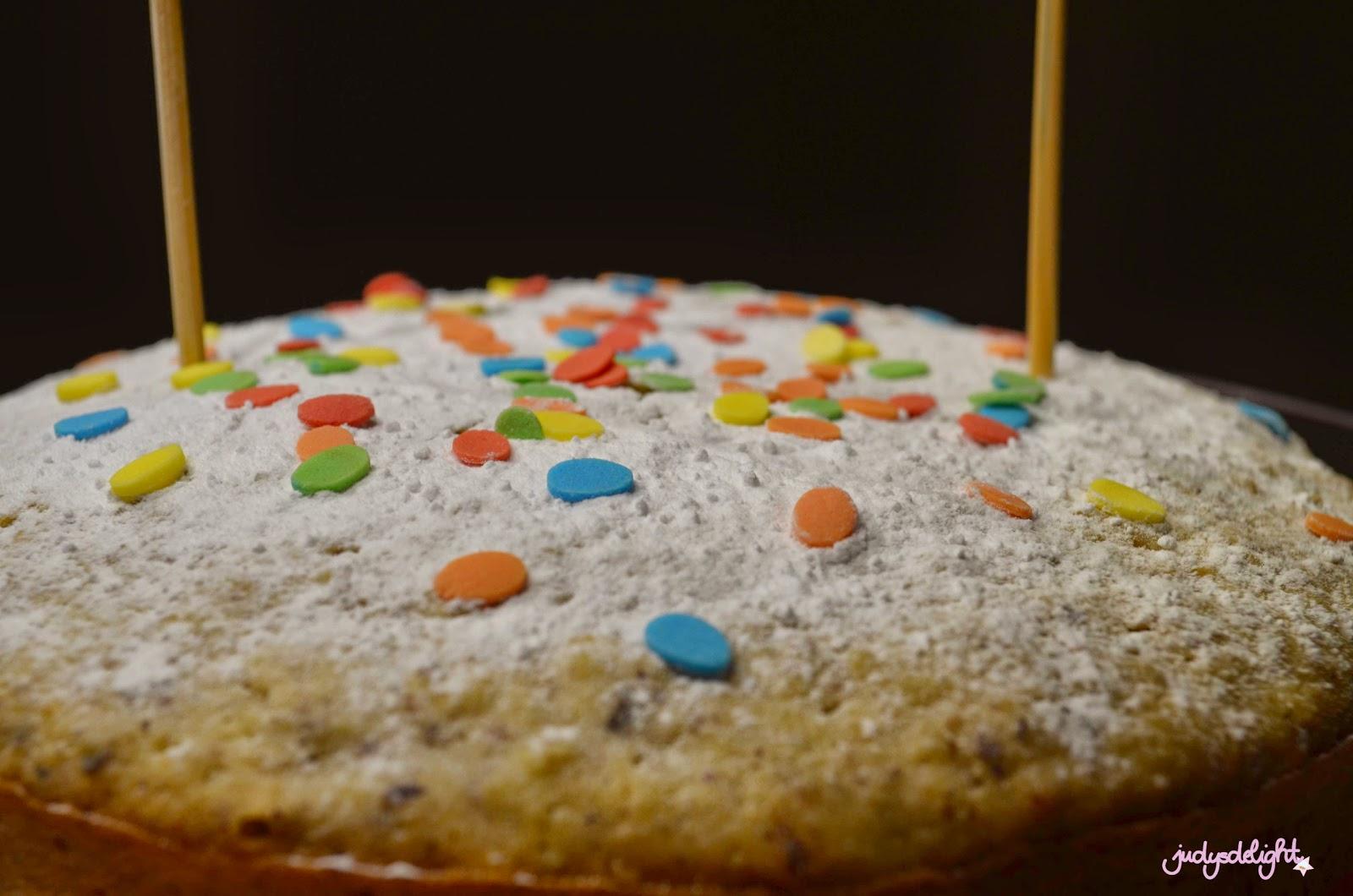 Amarettokuchen mit Äpfeln und Haselnüssen zu Wienerbrød Bloggeburtstagskaffeeklatsch von judysdelight [wienerbroed.com]
