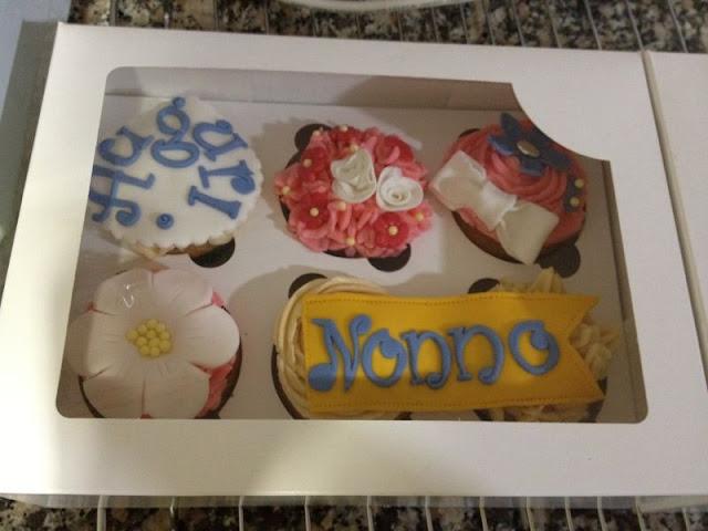 cupcakes decorados flores cumpleaños abuelo