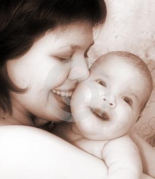 Solo El Amor De Una Madre