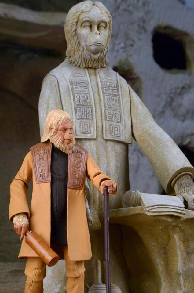 NECA - Planet of the Apes - Lawgiver Statue