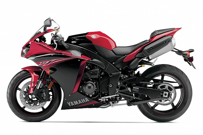 2014 Yamaha YZF-R1 Review and Prices