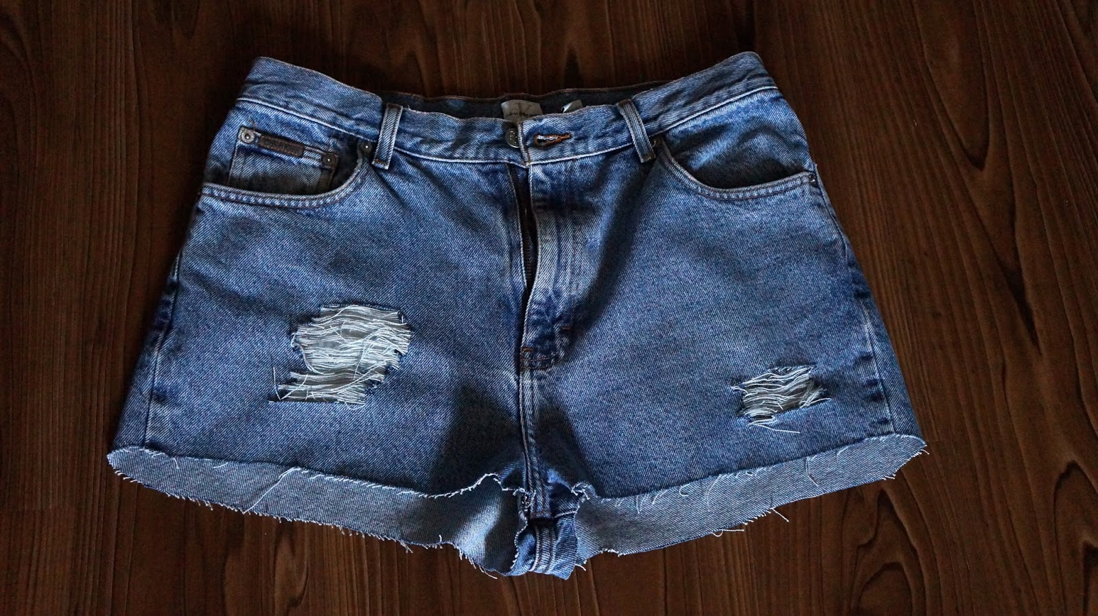 how to make destroyed shorts