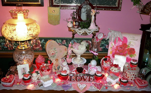 Pink Valentine's Decor in the Dining Room 2018