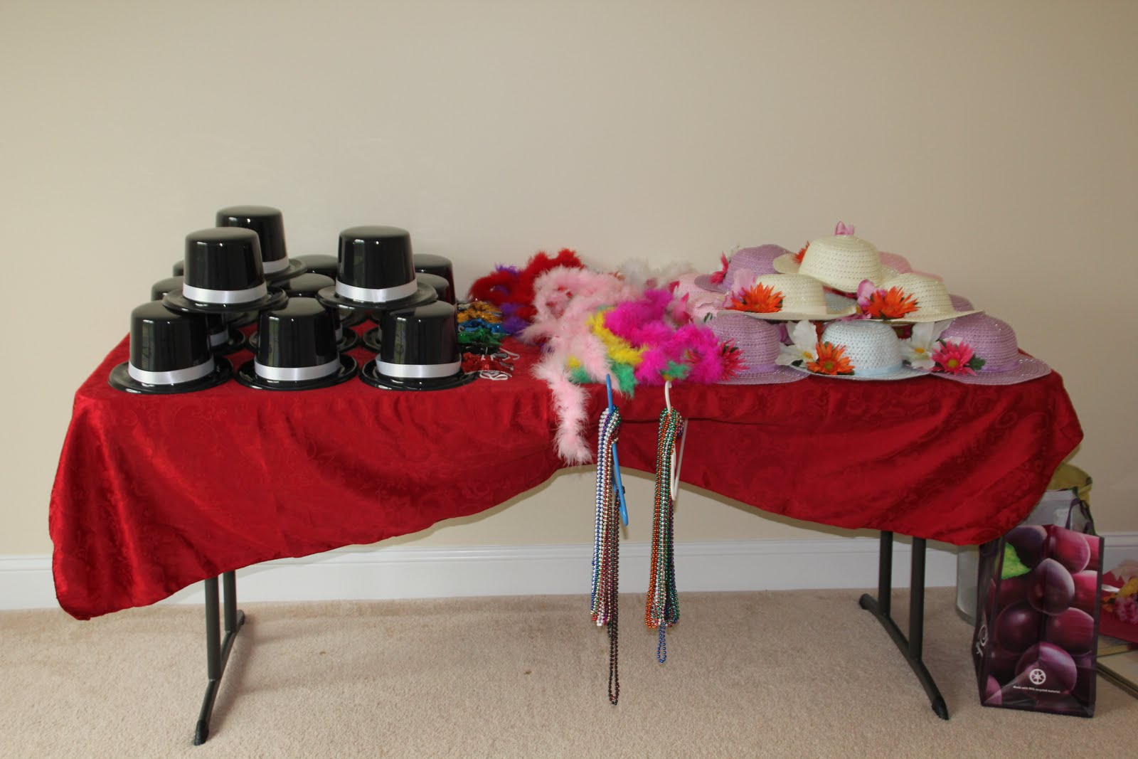 Kids tea party table - When The Little Kids Got To The Party The Boys Got A Hat And A Bow Tie The Girls Picked Out A Hat Little Fluffy Necklaces Beads And Had Their Make Up