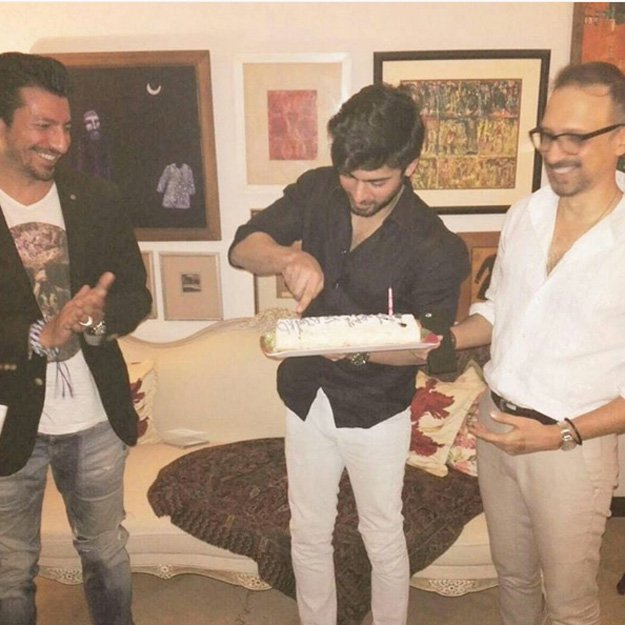 Pakistani Famous Actor Fawad Khan Celebrate His Birthday With Sonam Kapoor