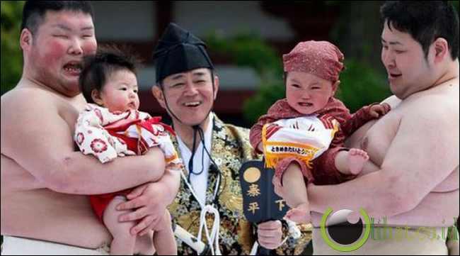 Perlombaan Membuat Bayi Menangis di Jepang