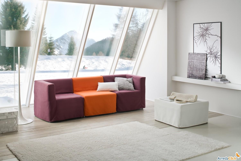 Arredaclick il blog sull 39 arredamento italiano online come arredare un salotto vivace e frizzante - Cuscini decorativi per letto ...