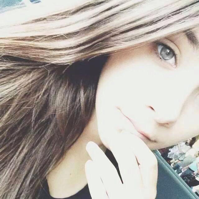 Angie Vazquez selfie. Sexy y sensual | Ximinia