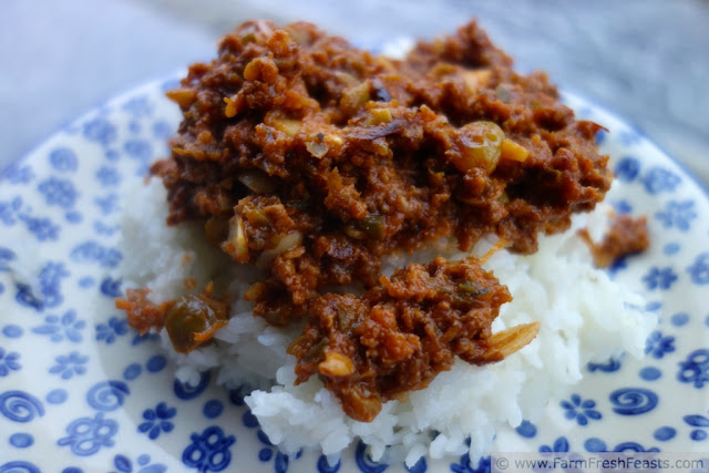 http://www.farmfreshfeasts.com/2013/04/veggie-pumped-picadillo-tax-day-meat.html
