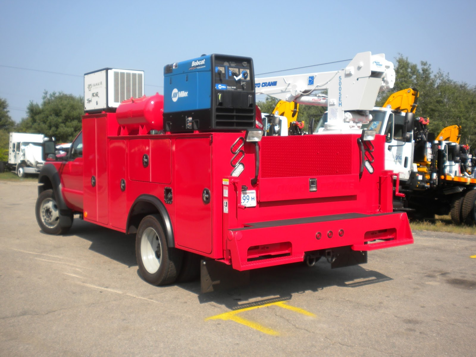 Imt Service Truck Bumper Step : Commercial truck success a fully functional ford