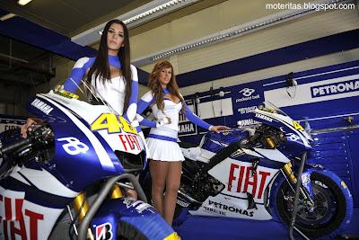 motos-mujeres-motogp-pisteras-wallpaper-motoqueras-edecanes