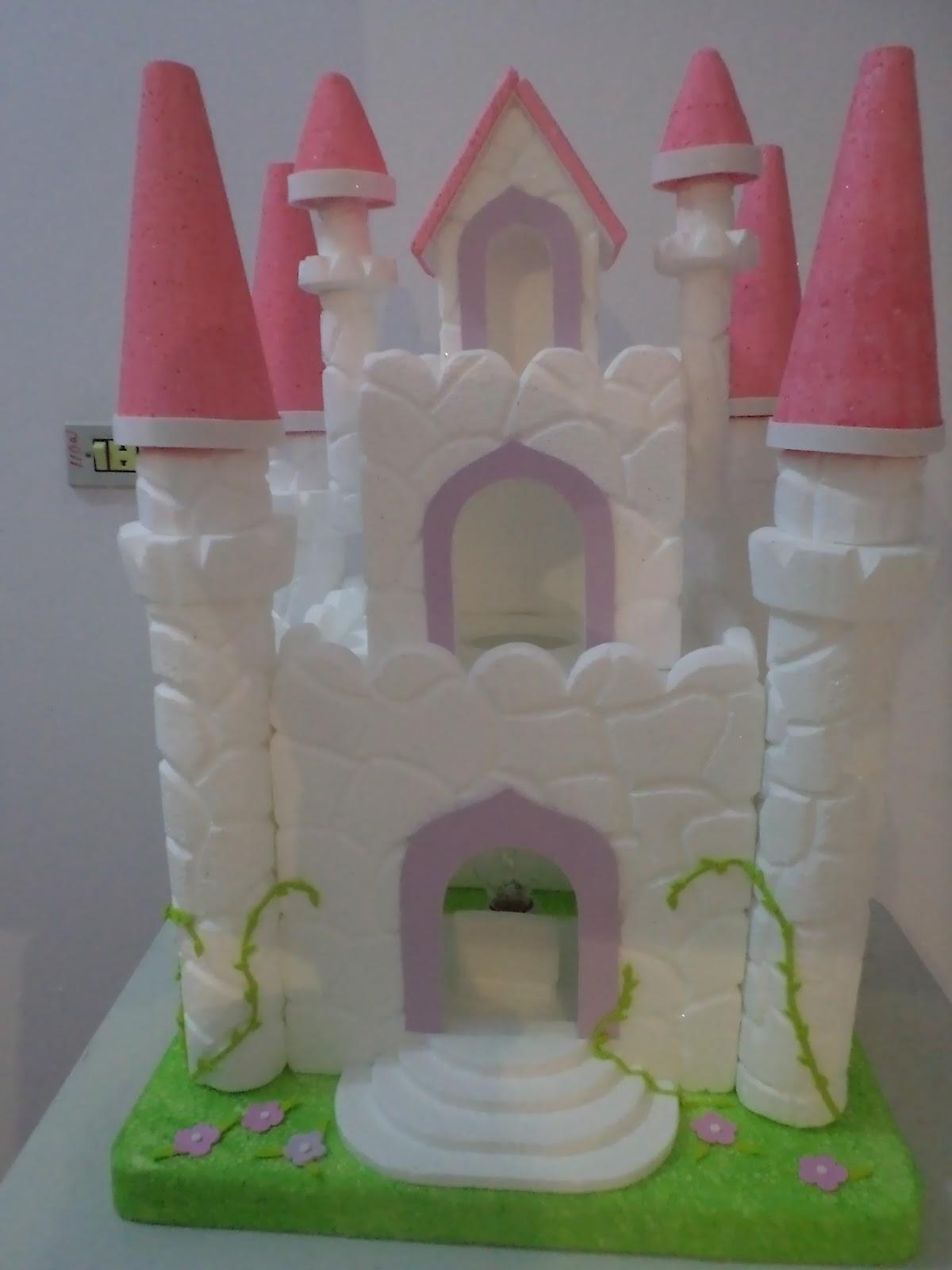 Sonho m gico festas castelo de isopor tema barbie for Mural de isopor e eva