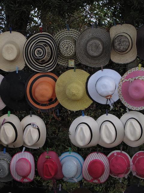 Parque Arví sombreros comércio de rua Santa Elena Medellin Colombia Silleteros