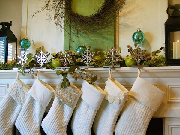 Fireplace white socks Mantel Home Decoration Idea in Christmas Festival