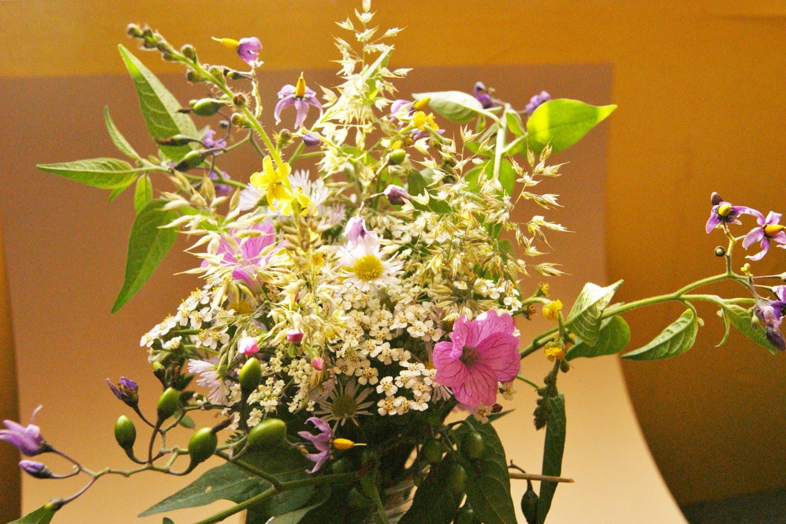 Très ☆Des Magnolias sur ma voie lactée☆: Petit bouquet de fleurs des  VJ77