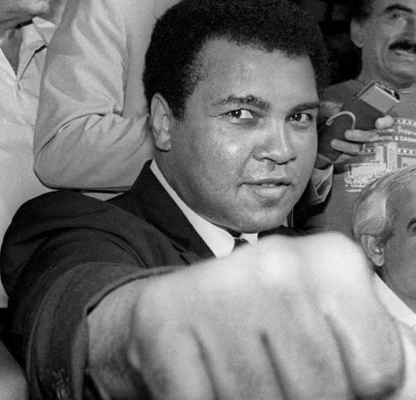 04.06.2016 - Addio a Muhammad Ali, il re del pugilato mondiale