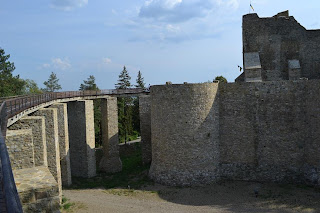 Neamt Fortress Bridge-access exterior
