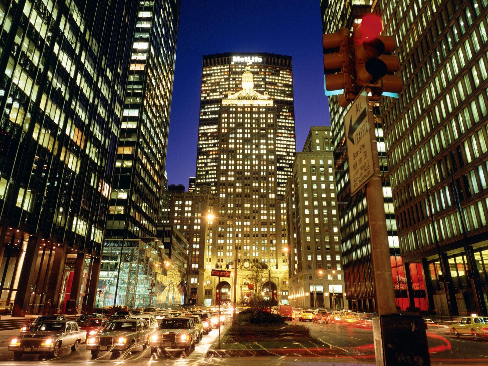 http://1.bp.blogspot.com/-4G08MGYWFYM/TbKMufQ2xHI/AAAAAAAAAMU/xZWcyGZxbEw/s1600/Park-Avenue-New-York-City-New-York-1-1600x1200.jpg