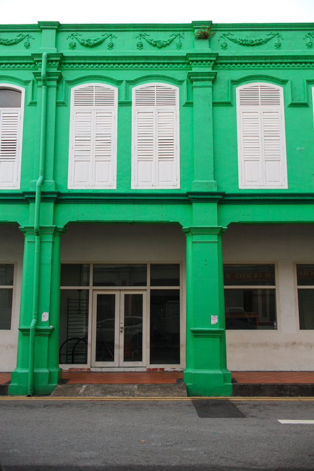 colonial architecture in Singapore's colorful Little India