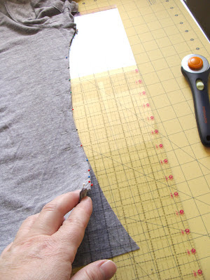pin jersey carefully when resizing t-shirt