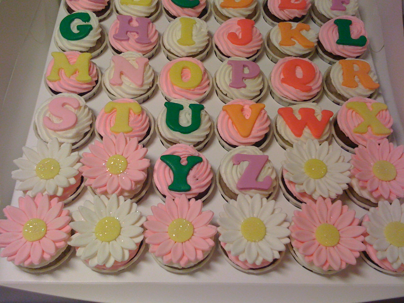S Alphabet Cake Images : CAKE CUPBOARD: Alphabet cupcakes - A to Z