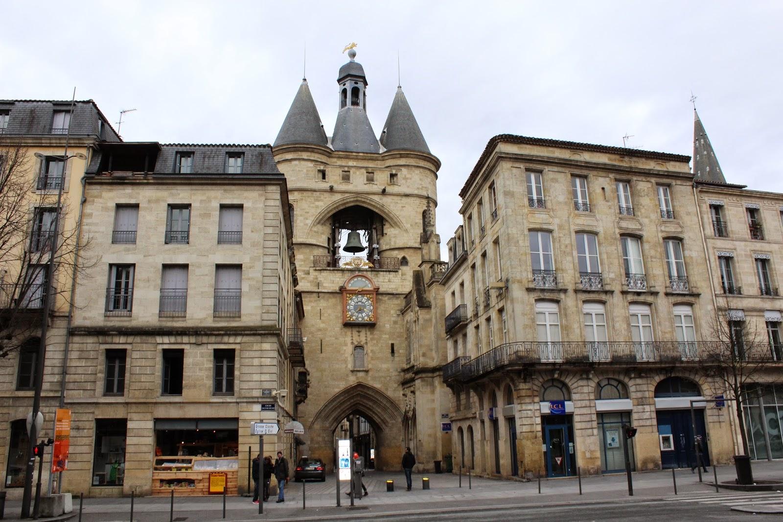Porte saint eloi la grosse cloche bordeaux for Appartement bordeaux grosse cloche
