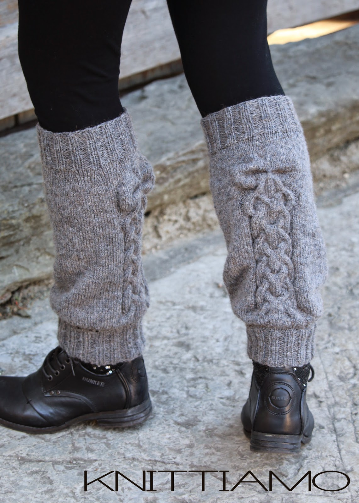 cable legwarmers with bow pattern