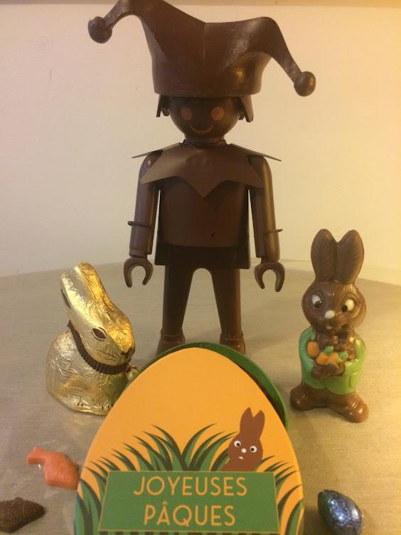 bouffon playmobil en chocolat noir, 30 cm
