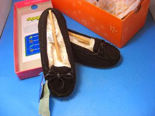 http://bargaincart.ecrater.com/p/22540752/sonoma-moccasins-faux-fur-girls