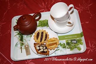 Crostatine con ricotta, marmellata di limone e crema al cioccolato
