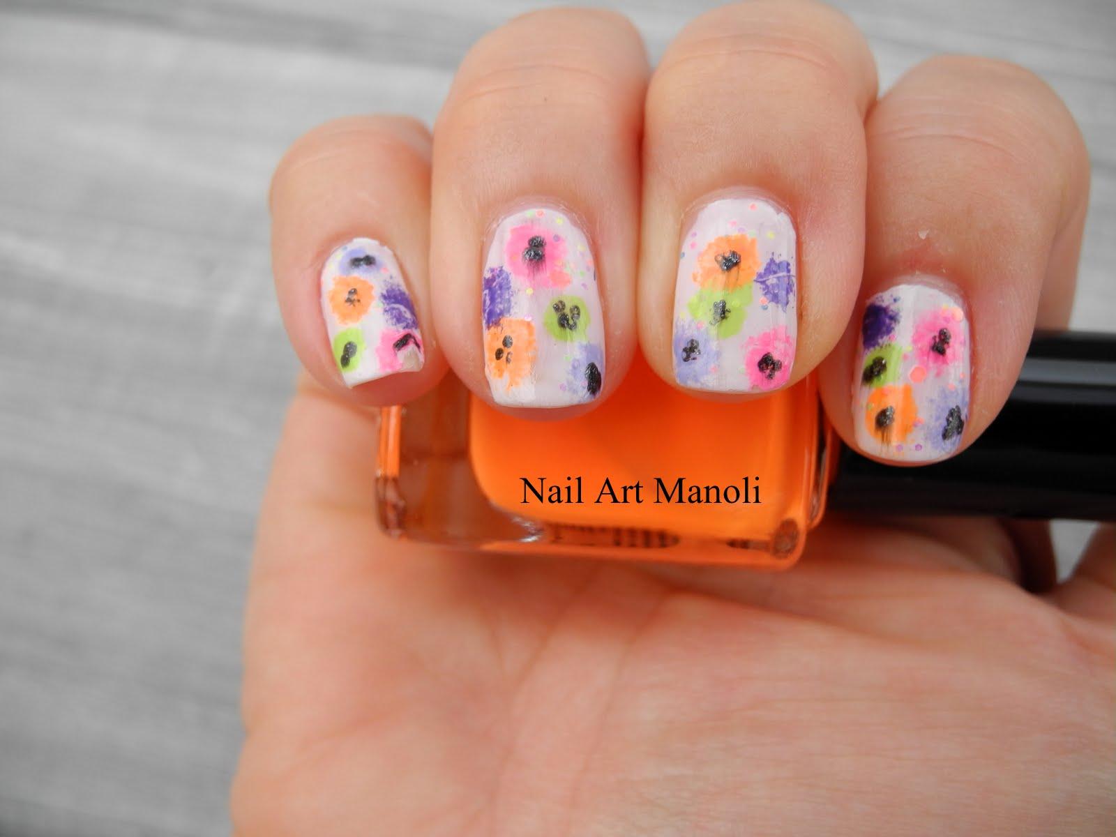 Nail Art Manoli: Flores fáciles con mano alzada