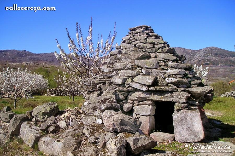 Chozas de piedra de la sierra de El Torno