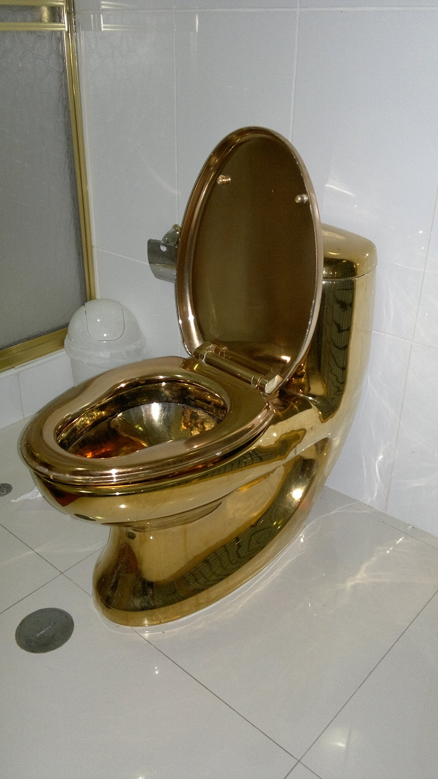 golden+toilet.jpg