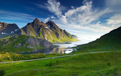 Salah satu contoh puisi alam tentang pemandangan yang indah bisa anda