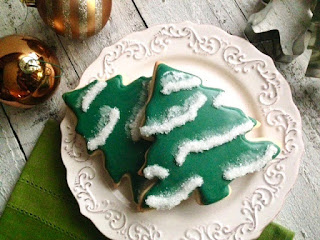 Sparkling Christmas Tree Cookies