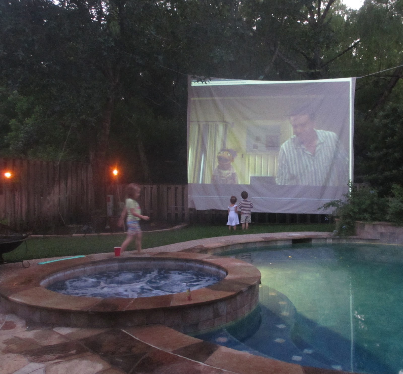 a little leaven how to create an awesome backyard movie experience