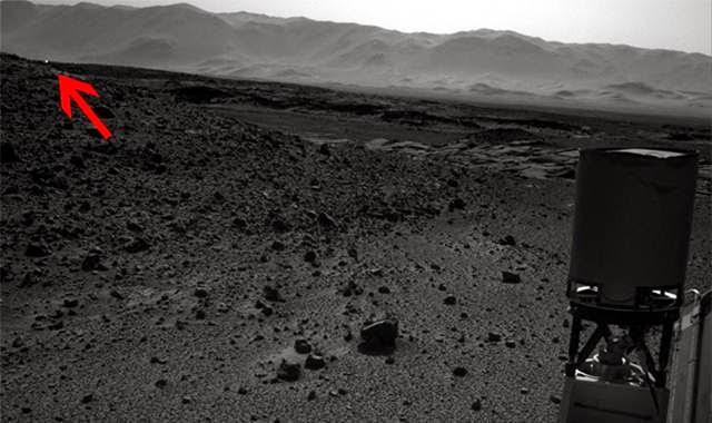 cahaya misterius di permukaan mars