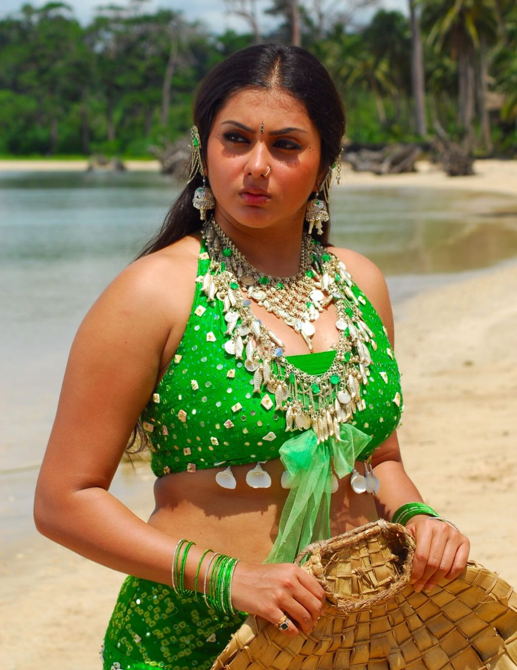 Namitha Blue Film Free Online http://greatcinecorner.blogspot.com/2011/07/telugu-actress-namitha-wallpapers.html