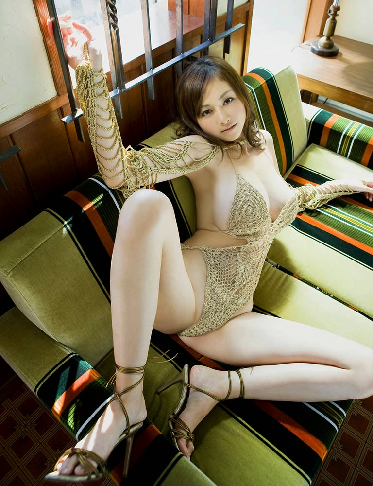 anri sugihara sexy bikini pics 04