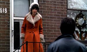 Merhaba ben senin hayatındaki kırmızı mantolu kadınım.