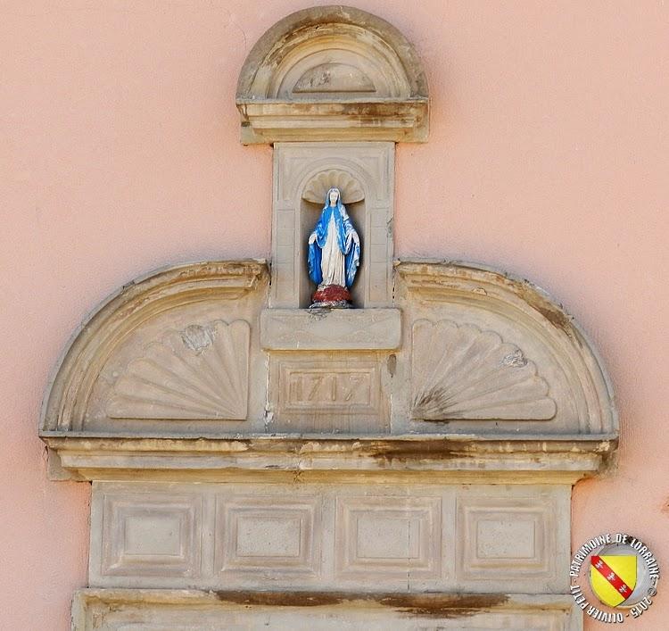 DOMJEVIN (54) - Portes monumentales 1711