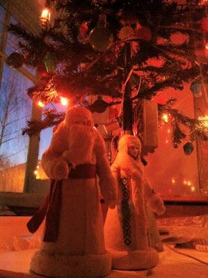 Дед Мороз, Снегурочка, Елка