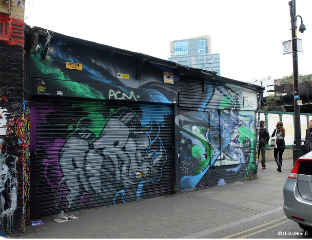 Street art Londres graffiti tag rhinoceros AIRE East London graffitag