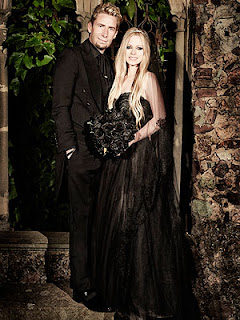 Avril Lavigne, wedding, black dress, wedding dress