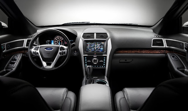 Interior view of 2011 Ford Explorer