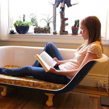 sofá bañera decorando el salón
